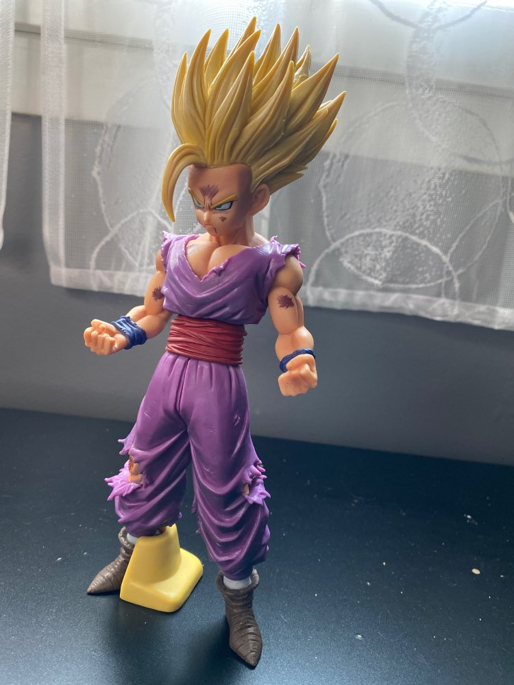 FIGURINE SON GOHAN SUPER SAIYAN - DRAGON BALL Z