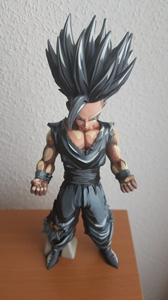 FIGURINE SON GOHAN SUPER SAIYAN BLACK - DRAGON BALL Z